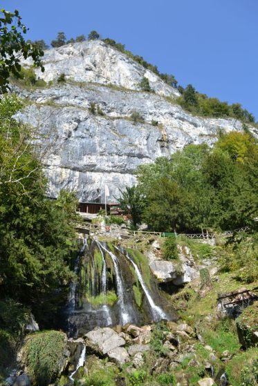 Wasserfälle bei den Beatushöhlen